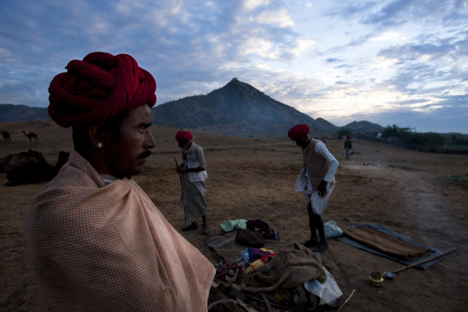 Packing up at Pushkar camel fair