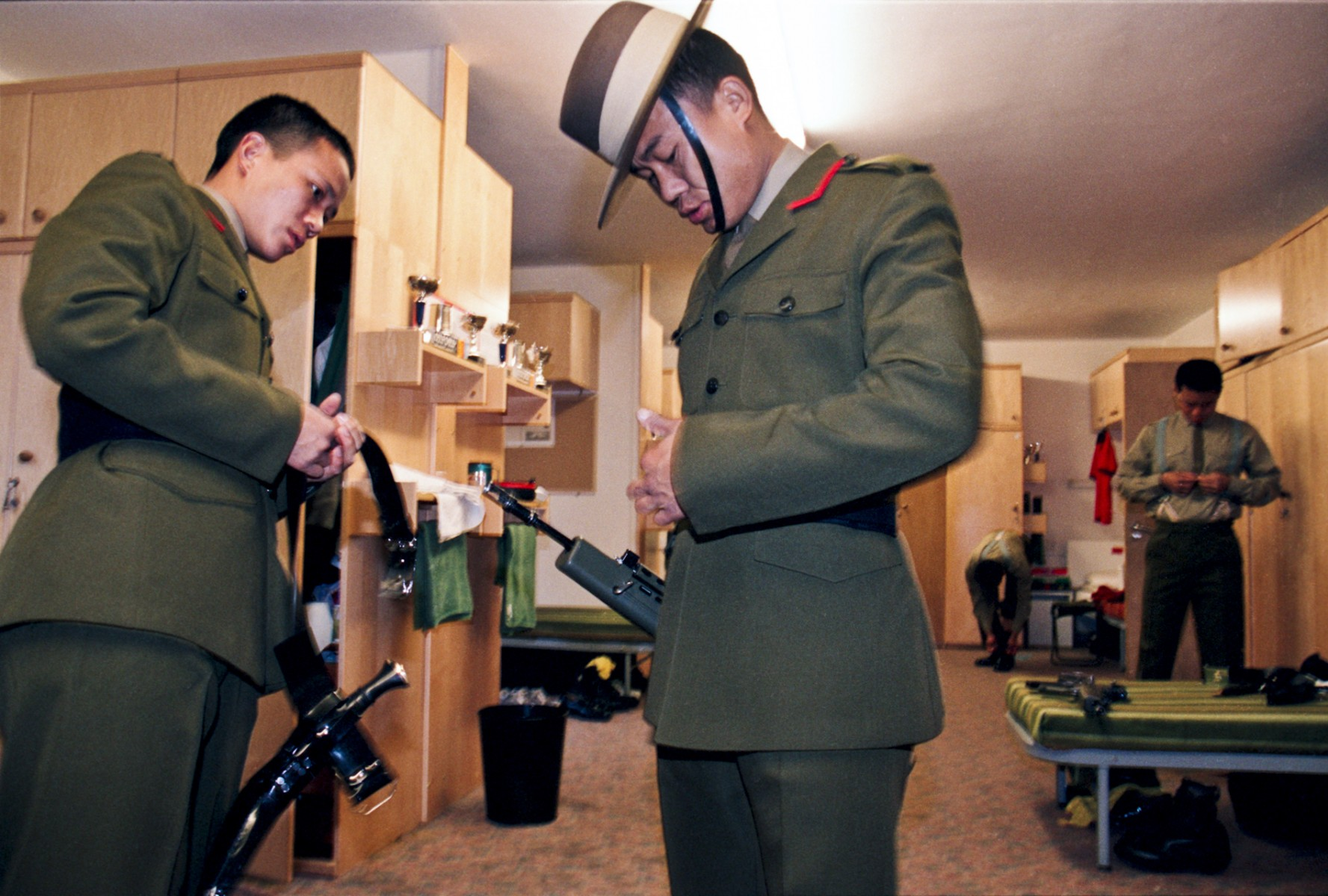 Dressing for final parade, Catterick Camp