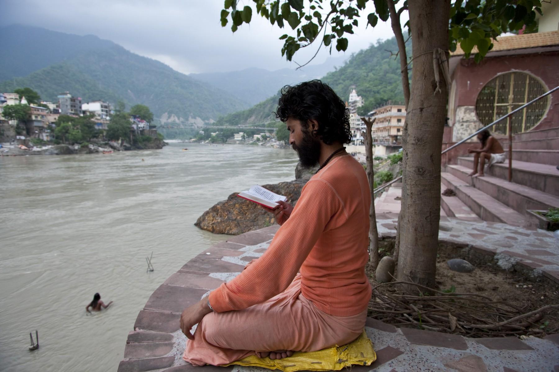 Reading the Gita, Rishikesh