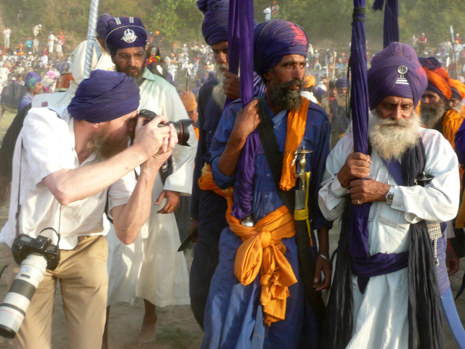 Nick photographing Nihang Chief Hola 2008