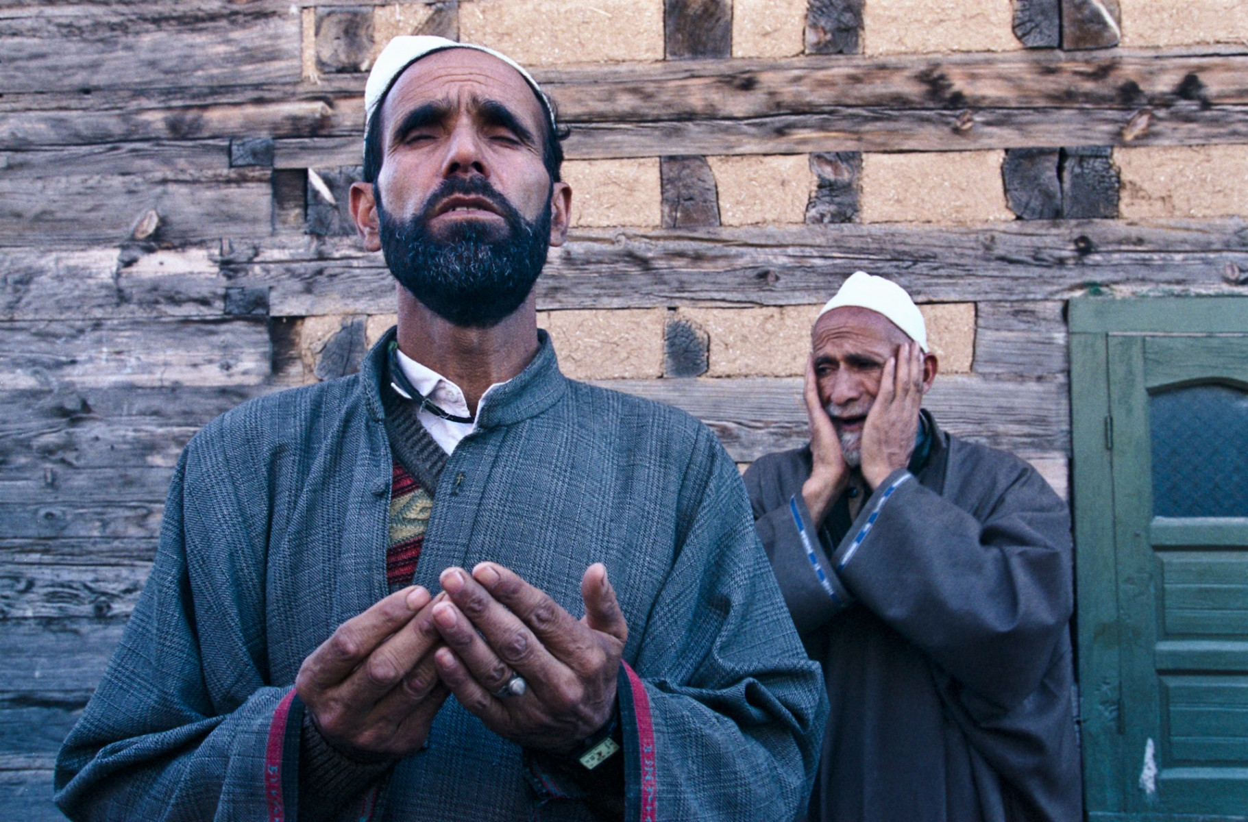 Pilgrims at shrine of Aishmuqan