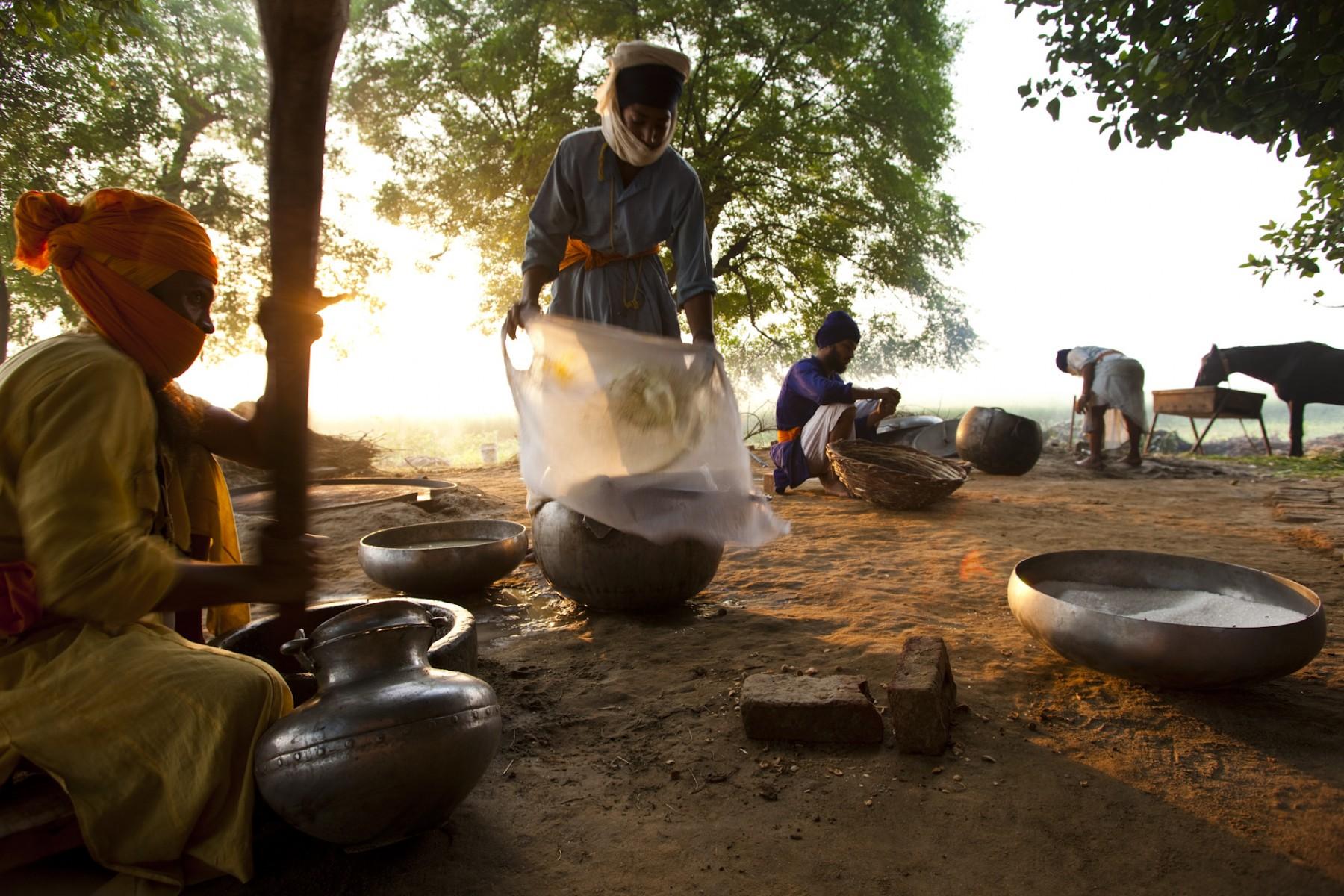 Nihangs making shadai