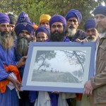 "With Baba Avtar Singhji and Buga Singh and members and friends of Baba Bidi Chand Dal in Anandpur Sahib. (<a href=""http://dalbirsindia.wordpress.com"" target=""_blank"">Photo by Dalbir Singh</a>)"