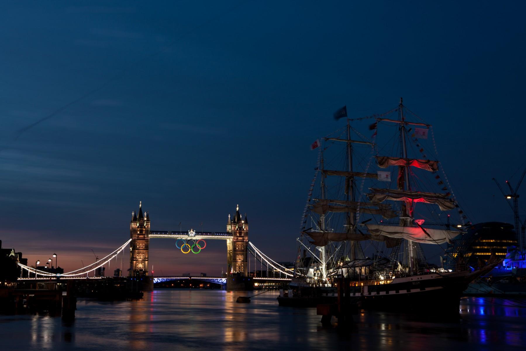 Olympic rings, Tower Bridge