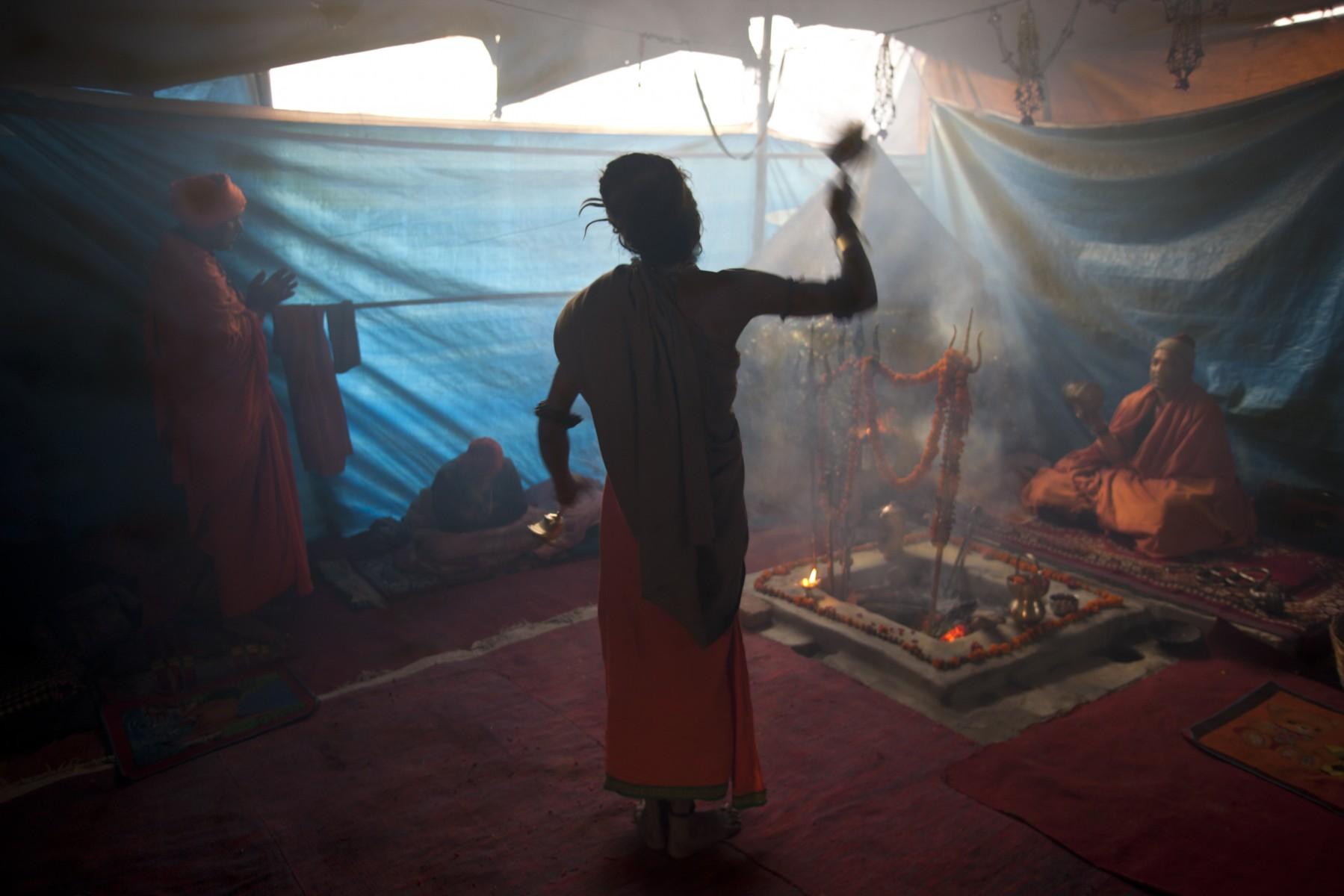 Early morning Aarti Kumbh Mela