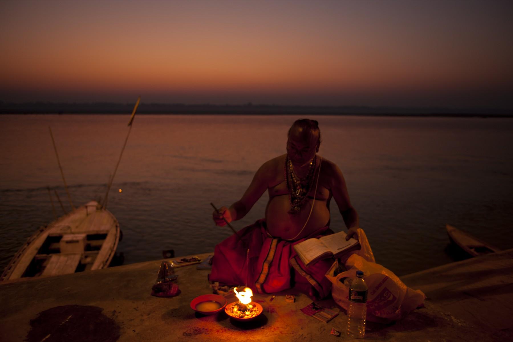 Dawn puja Varanasi