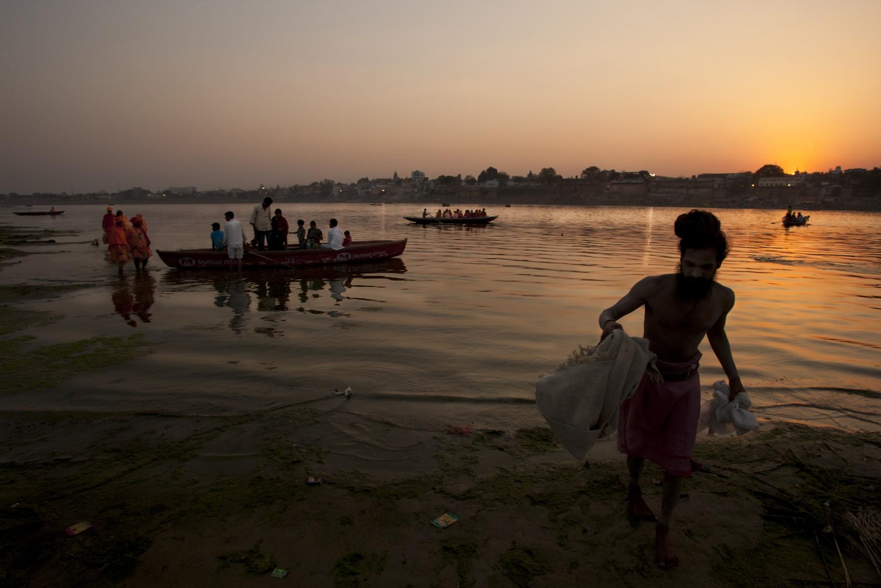 Boats taking pilgrims back to Varanasi